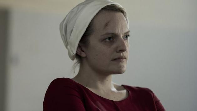 最佳電視表演:伊麗莎白·莫斯《使女的故事》