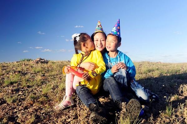 30岁生日见到资助儿童 张钧甯:她的眼神看到自己