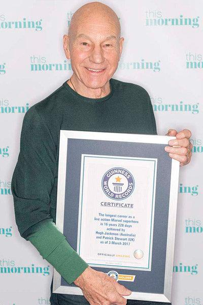 帕特里克·斯图尔特获得吉尼斯认证。