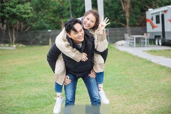 结婚18年仍似热恋 袁咏仪张智霖相处模式超甜蜜
