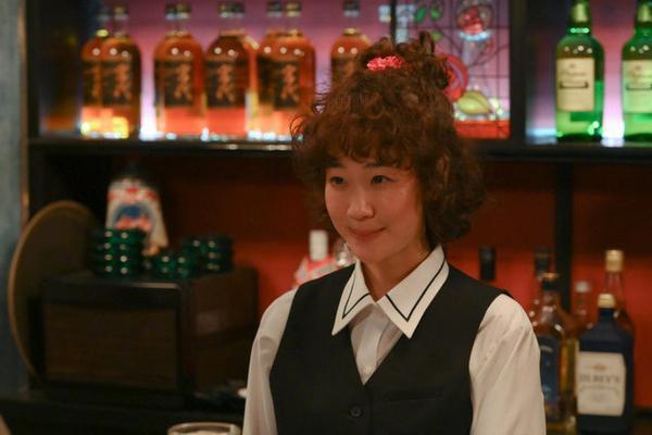 组图:《凪的新生活》第6集剧照发布 女主找到新工作