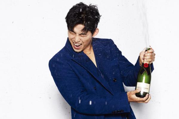 组图:2PM玉泽演退伍后首拍杂志写真 将与李沇熹合作新剧