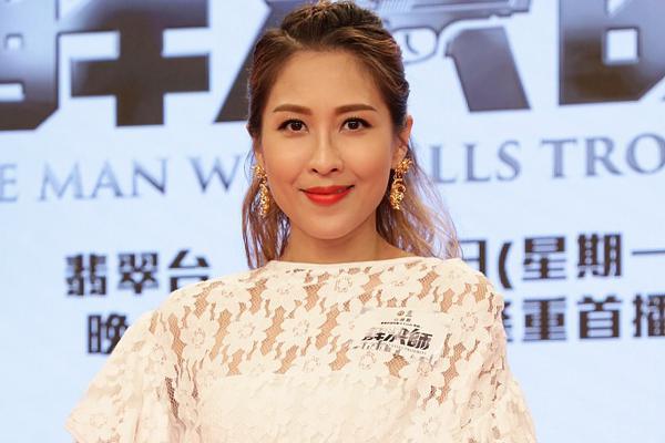 组图:40岁陈敏之白裙减龄淑女 港姐冯盈盈黑裙尽显优雅