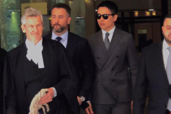 组图:高云翔涉嫌性侵案终审再开庭 律师继续申请延期至下周一