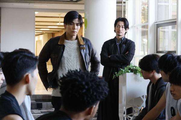 组图:《夏洛克》第10集剧照发布 藤冈靛追踪绑架案线索