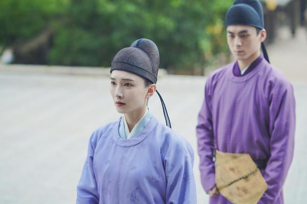 组图:江疏影《清平乐》中首次挑战男装造型 身型修长儒雅而俊朗