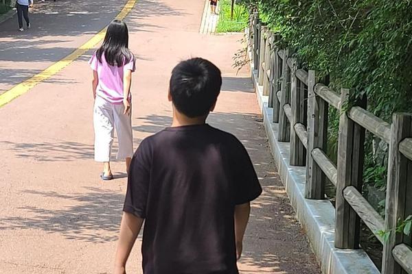 李英爱分享孩子们吵架日常 大儿子一个举动萌翻网友
