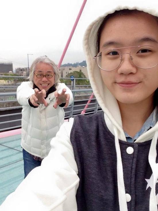 李坤城(左)和林靖恩热恋2年半