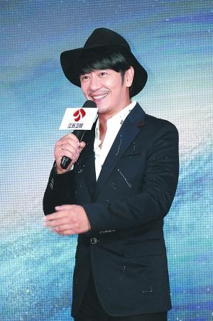 结婚四年的陈浩民再次报喜明年将迎来第四个孩子。
