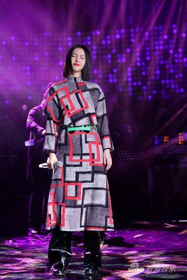 曾乐报道 音乐真人秀《中国之星》赛程过半,经过上周六(12日)晚图片