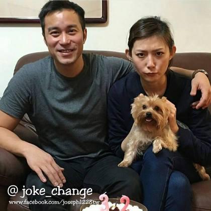 张孝全(左)在32岁生日甜搂女友庆生。