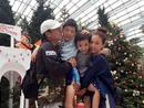 马景涛携妻儿逛植物园