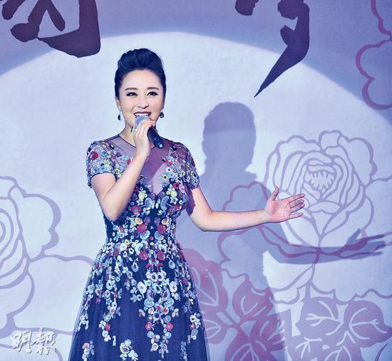 """周旋日前应香港管弦乐团邀请参与""""中国梦慈善晚宴""""演出。"""