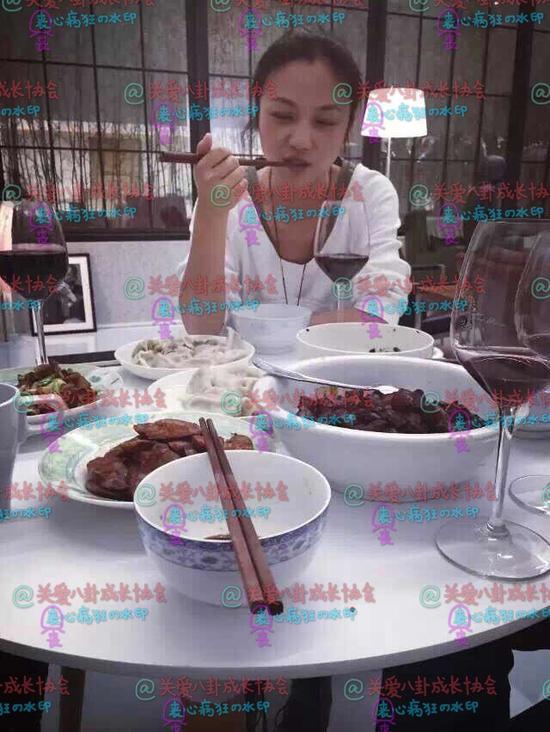 饺子、香肠等配红酒