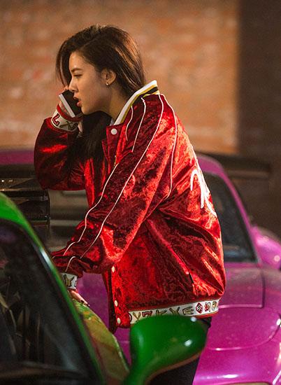 《过年好》公映 宋妍霏变身杀马特