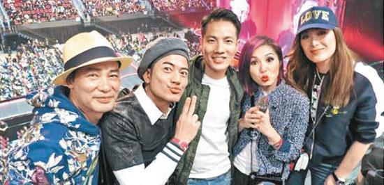 任达华(左起)、郭富城、丁子高、杨千嬅、琦琦一起前往澳门欣赏麦当娜的演出