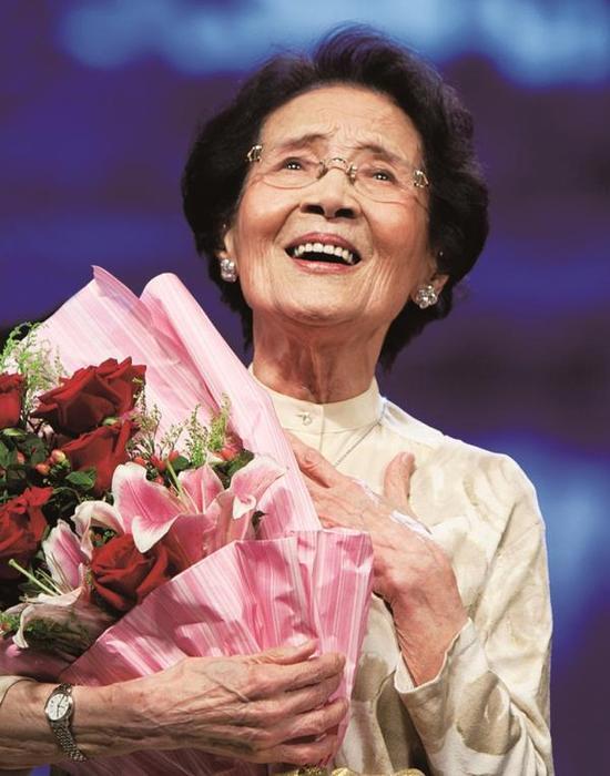 中国著名歌唱家、教育家周小燕。 东方IC 资料