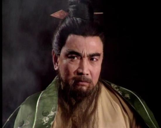 鲍国安因扮演《三国演义》中的曹操而被熟知
