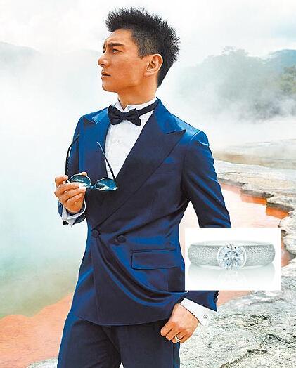 吴奇隆戴的戒指价值约9.4万