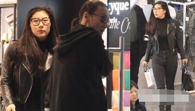 谢贤曾带女友上海购物(资料图)