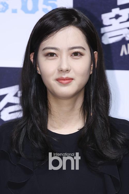 徐正妍高雅星确定加盟雪国列车再扮演宋康昊女儿()