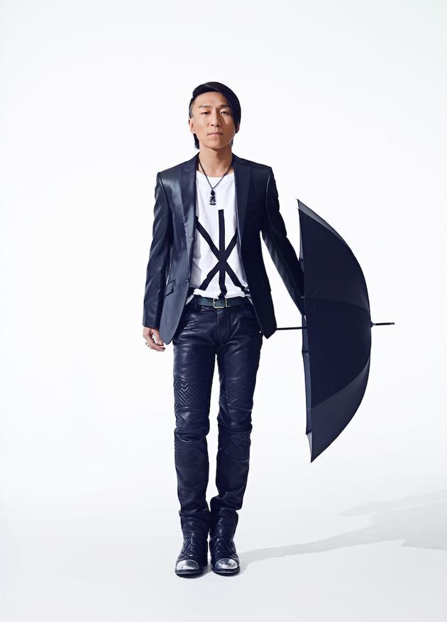 羽泉[微博]组合的另一名成员陈羽凡[微博]重磅加盟,这样海泉和羽凡将