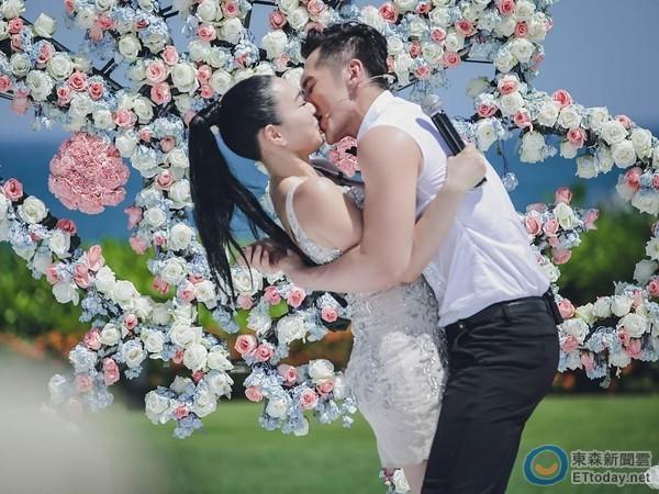 张伦硕向钟丽缇求婚