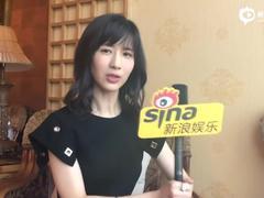 视频:第一网红papi酱向新浪娱乐网友问好