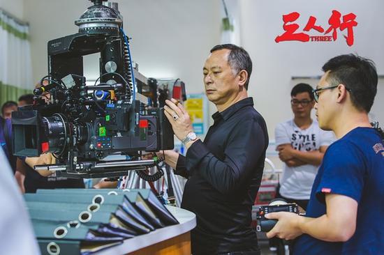 《三人行》1个大老250人练2个月钟汉良国语没镜头龙虎电影千标点版台词图片