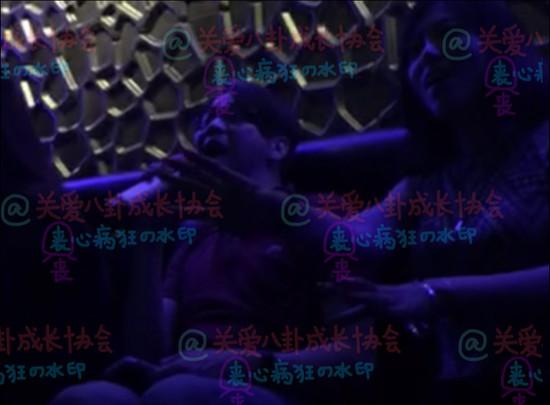 曝陶喆在洛杉矶KTV唱歌