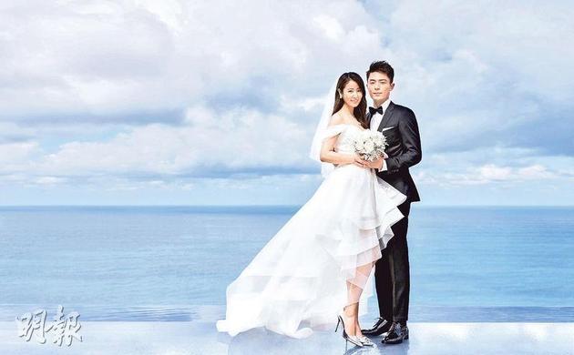 林心如与霍建华在海天一色的醉人美景下拍婚照,绝对是美人美景!
