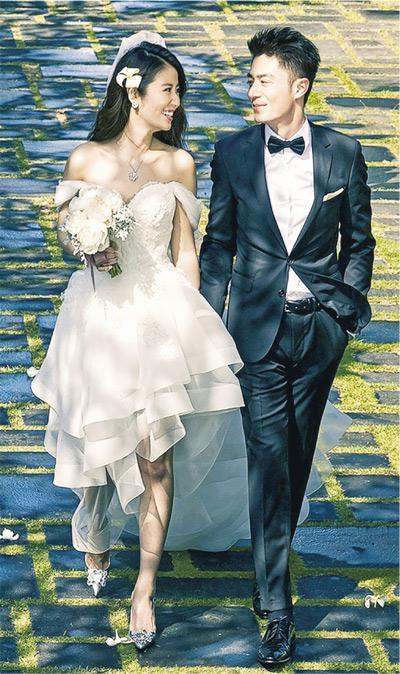 林心如与霍建华手牵手深情对望,大家都能感受到两人的幸福