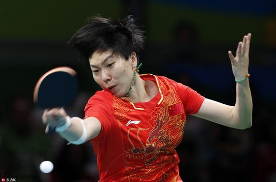 李晓霞在比赛中十分投入