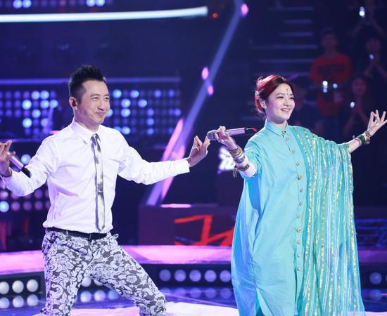 范晓萱与哈林的印度舞姿