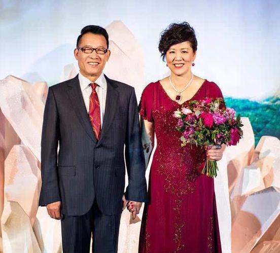 郎平与丈夫结婚照