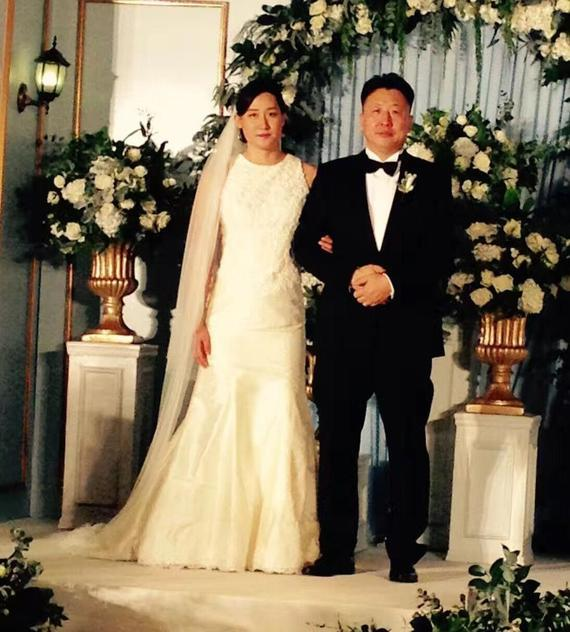 奥运冠军刘子歌与恩师大婚 年龄差23岁(图)