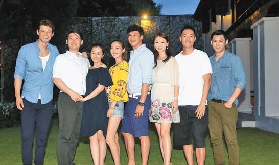 郭品超(左起)、薛博仁、陈怡蓉、Peggy、何润东、翁虹、杨佑宁、陈奕昨晚出席欢迎晚宴
