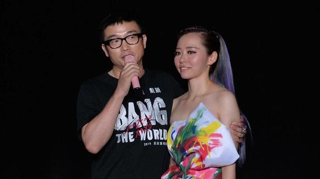 """张靓颖不久前在演唱会公开""""求爱"""",公布与冯柯恋情。"""