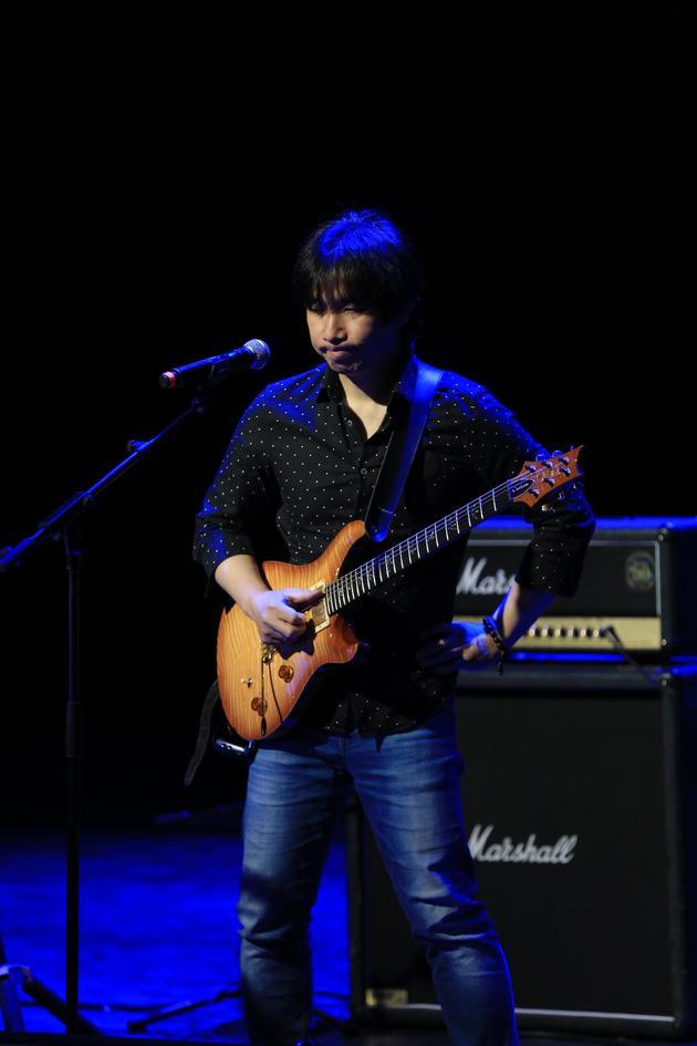 吉他手汶麟