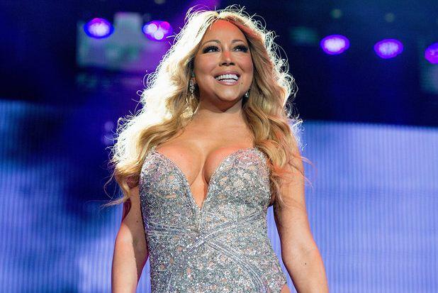 新浪娱乐讯 北京时间10月26日消息,据国外媒体报道,美国流行天后玛丽亚-凯丽(Mariah Carey)刚刚取消了她在拉丁美洲的多场演出日程。   我要对南美的乐迷们说,这次巡回演出的其中一部分不得不取消。玛丽亚-凯丽在声明中说,感谢大家所有的激动和爱,我希望下次能够尽早见到你们,我亲爱的们!据了解,凯丽这次的拉美巡回演出取消的包括在巴西、阿根廷和智利等国家的场次。据相关媒体报道称,凯丽取消本次巡演的原因是主办方自身的过失。   这次拉丁美洲的巡演是玛丽亚-凯丽甜甜幻想巡回演出(The
