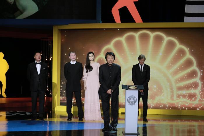 《我不是潘金莲》西班牙摘金银贝壳两项大奖