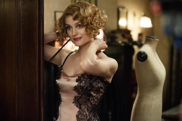 奎妮的丝绸裙子