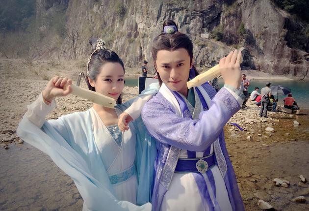 Dương Tử và Tần Tuấn Kiệt nhí nhảnh trong hậu trường Tru tiên