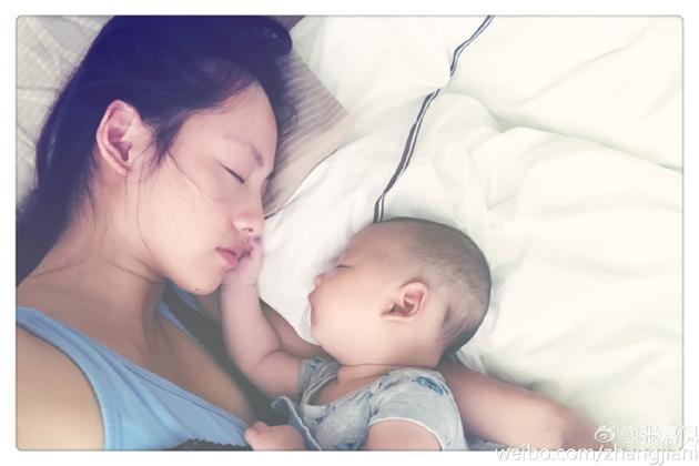张嘉倪和儿子