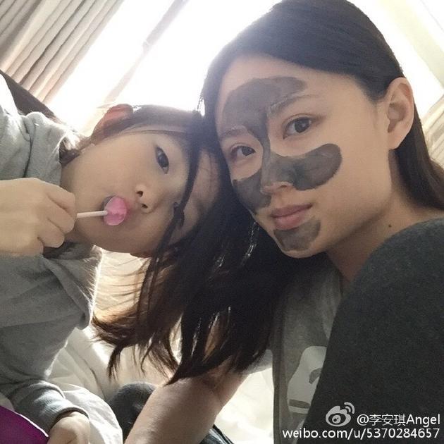 李小鹏老婆和女儿