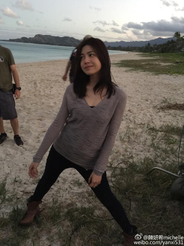 陈妍希晒孕前纤瘦美照:回不去的美好时光