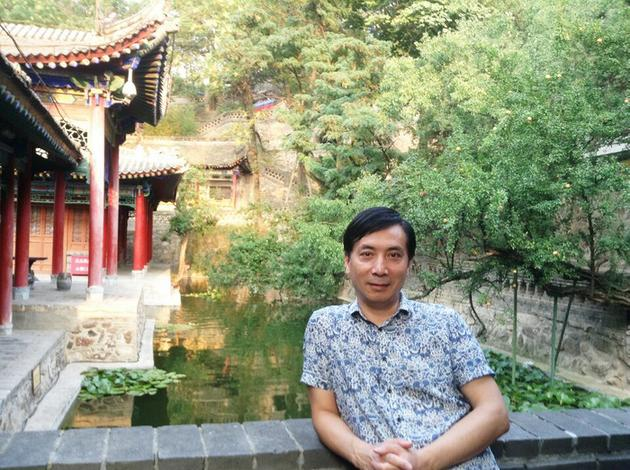 刘双平在华清池的照片