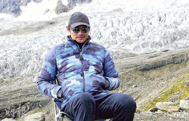 53岁的黄德斌因身体没能负荷,中途决定退出旅程。