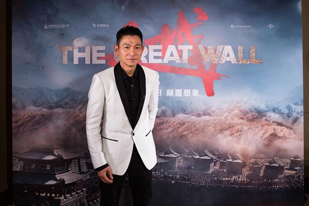 刘德华在《长城》中饰演无影禁军里的军师