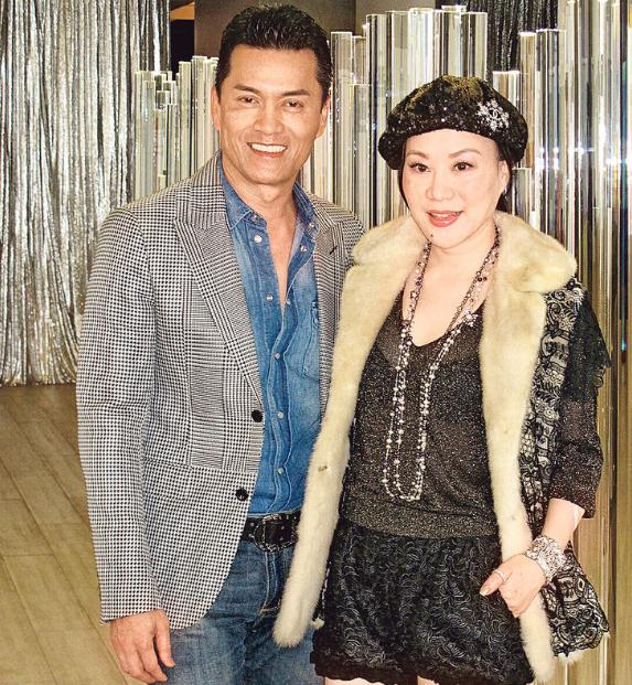 吕良伟说太太杨小娟也有跟随他练回春诀保持身材